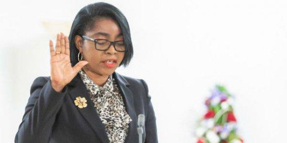 Le Président gabonais, Ali Bongo Odimba, a nommé Rose Christiane Ossouka Raponda comme première ministre du pays.